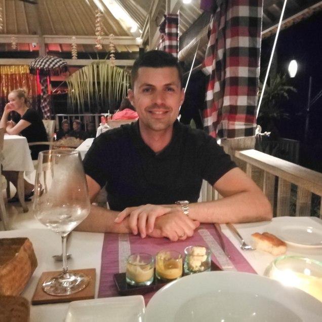 Cena el hotel de Bali
