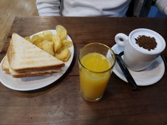 Desayuno en Panaria